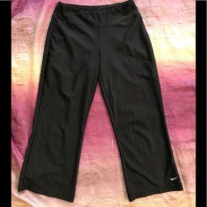Nike Fit Dry Capri Pants